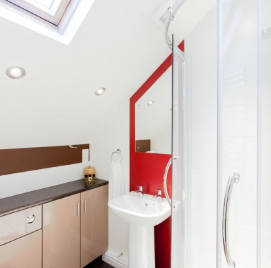 Interior of en-suite at The Hideaway at Windermere
